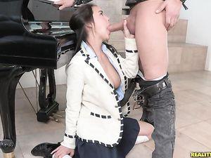 Preppy Schoolgirl Spreads For Big Cock Sex