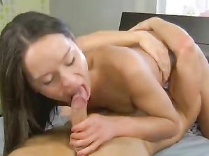 Kissing And Cunt Worship Drive A Slutty Teen Wild