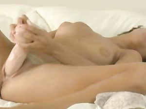 Pretty Solo Girl Is Warmed Up For Hot Dildo Fucking