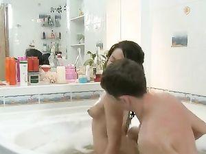 Bathing With A Beautiful Girl He Bangs Hardcore