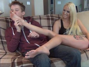 Teenage Couple Give Each Other Some Hot HAndjobs