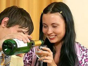 Drunk Teen Lets Her Boyfriend Pound Her Pussy