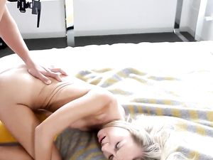 Reverse Cowgirl Before Cum In Her Mouth