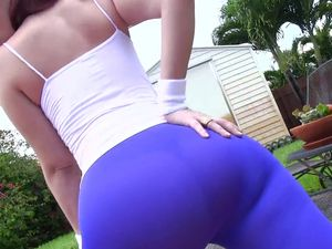Big Booty Slut In Spandex Pants Loves To Bang