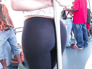 Kelsi Monroe Exposes Her Big Ass In Public