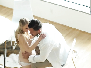 Good Sex Before Work With His Breathtaking Blonde GF