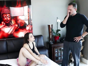 Babysitter Beauty Meets In His Hotel Room For Hot Sex