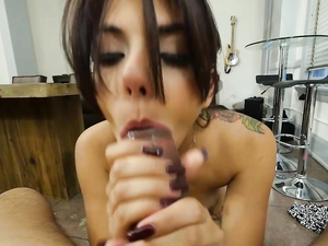 Beauty With A Big Mouth Sucks Dick From Her Knees