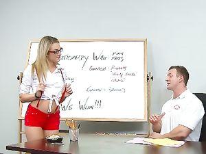 Slutty Teen Knows How To Seduce The Horny Teacher