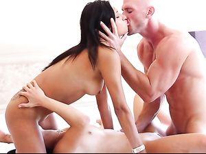 Hot Chicks Skip Breakfast For A Hardcore Threesome